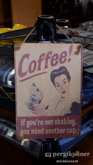 Foto 6 - Interior di Conversations Over Coffee (COC) oleh Mich Love Eat
