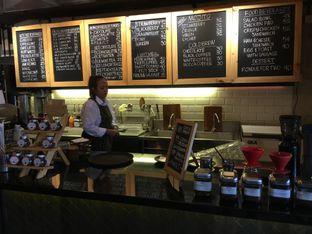 Foto 19 - Interior di Wheeler's Coffee oleh Mariane  Felicia