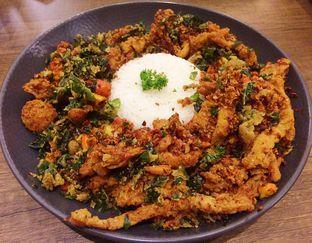 Foto 2 - Makanan(Spicy Mushroom Dower) di De Cafe Rooftop Garden oleh Elisha Damayanti