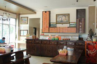 Foto 3 - Interior di Soto Bu Tjondro oleh YSfoodspottings