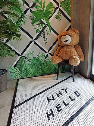 Foto 2 - Interior di Phos Coffee oleh inggie @makandll