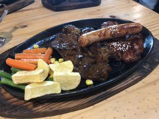 Foto 1 - Makanan di Dunia Steak oleh Oswin Liandow