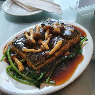 Foto 3 - Makanan(Tahu) di Eastern Restaurant oleh Mrc Mrc