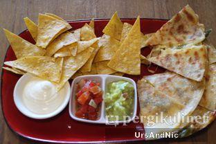 Foto 4 - Makanan(Beef Fajitas Quesadillas) di Gonzo's Tex Mex Grill oleh UrsAndNic