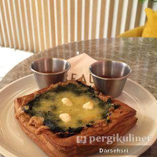 Foto 3 - Makanan(Spinach & Cheese Square) di Beau oleh Darsehsri Handayani