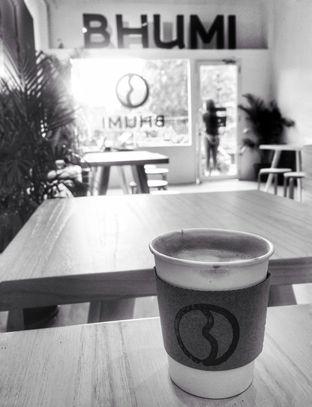 Foto 1 - Interior di Bhumi Coffee oleh @vespafoodie