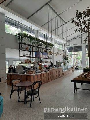 Foto 4 - Interior di Divani's Boulangerie & Cafe oleh Selfi Tan