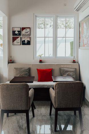 Foto 8 - Interior di Caffeine Suite oleh Indra Mulia
