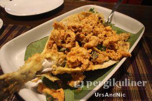 Foto 3 - Makanan(Ikan kudu kudu goreng terlor asin) di Sulawesi@Kemang oleh UrsAndNic