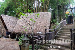 Foto 7 - Interior di Kebon Awi Kaffee oleh Darsehsri Handayani