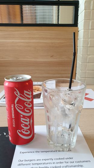 Foto review MOS Cafe oleh Oemar ichsan 5