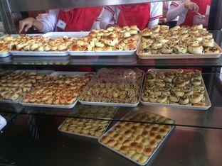 Foto 7 - Makanan di Roti Unyil Venus oleh Irine