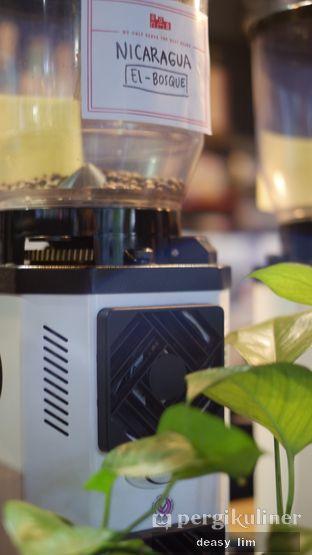 Foto 6 - Interior di Fillmore Coffee oleh Deasy Lim