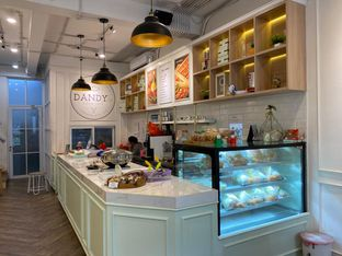Foto review Dandy Co Bakery & Cafe oleh rennyant 1
