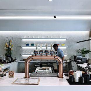 Foto 4 - Interior di Stork Food and Coffee oleh Della Ayu