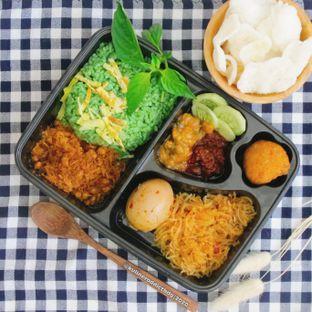 Foto review Nasi Kuning Ceu Mu'ah & Nasi Ijo Mazbay oleh Kuliner Addict Bandung 2