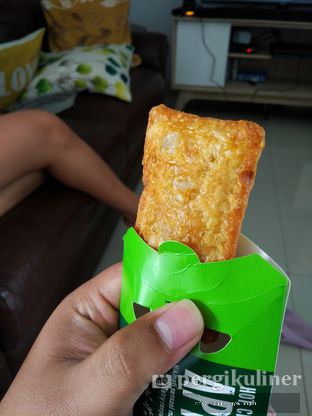 Foto 1 - Makanan(Apple Pie) di McDonald's oleh Rifky Syam Harahap | IG: @rifkyowi