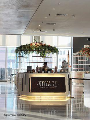 Foto 5 - Interior di Voyage Restaurant - Harris Vertu Hotel oleh Ken @bigtummy_culinary