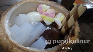 Foto 1 - Makanan di Es Basian oleh Audry @thehungrydentist
