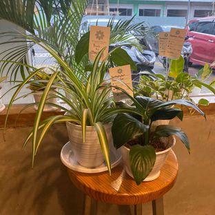 Foto 4 - Interior di Emmetropia Coffee oleh Levina JV (IG : @levina_eat & @levinajv)