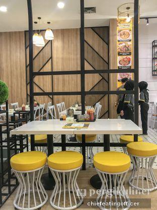 Foto 4 - Interior di Chop Buntut Cak Yo oleh feedthecat