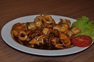 Foto 5 - Makanan(Cumi Saus Mentega) di Waroeng Kampoeng Seafood & Ropang oleh Christian | IG : @gila.kuliner13