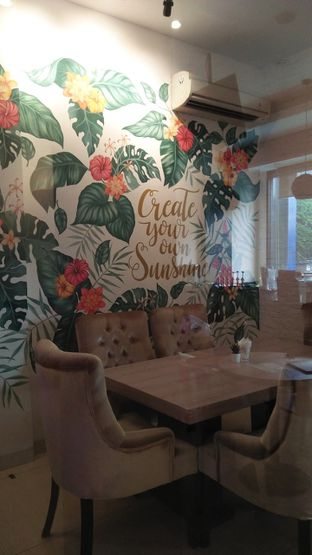 Foto 3 - Interior di Meet n Work Coffee & Eatery oleh Review Dika & Opik (@go2dika)