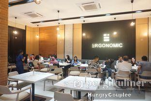 Foto 4 - Interior di Ergonomic Coffee & Lounge oleh Hungry Couplee