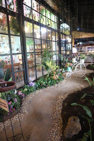 Foto 5 - Interior di ROOFPARK Cafe & Restaurant oleh yeli nurlena