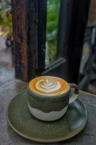 Foto 2 - Makanan(Hot Cappuccino) di Kopi Nalar oleh Fadhlur Rohman