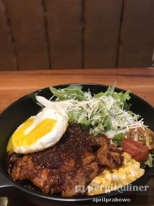 Foto - Makanan(Chicken Salad with Honey Mustard) di Omija oleh Cubi