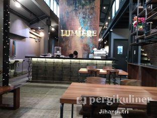 Foto 6 - Interior di Lumiere Bistro & Art Gallery oleh Jihan Rahayu Putri