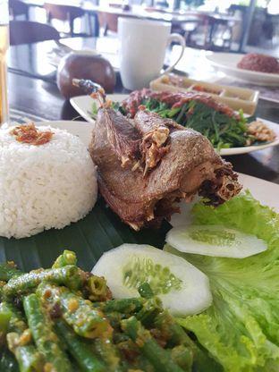 Foto 1 - Makanan di Bebek Tepi Sawah oleh @duorakuss