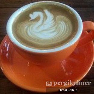 Foto 2 - Makanan(Latte) di Retorika Coffee oleh UrsAndNic