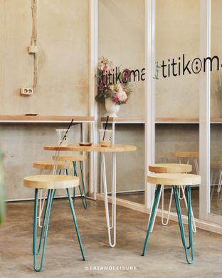 Foto 4 - Interior di Kopi Titikoma oleh Eat and Leisure