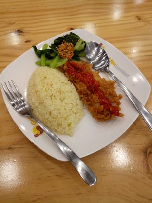 Foto 1 - Makanan di Golden Lamian oleh Laksmi paopao
