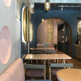 Foto 13 - Interior di Mae Coffee & Eatery oleh Della Ayu