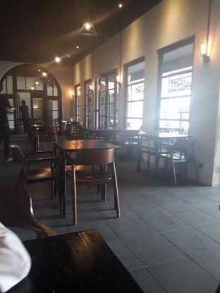 Foto 6 - Interior di Black Ground Cafe & Eatery oleh Nadia Indo