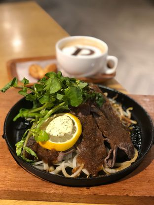 Foto 4 - Makanan(Yabushabu Steak) di Palmier oleh YSfoodspottings