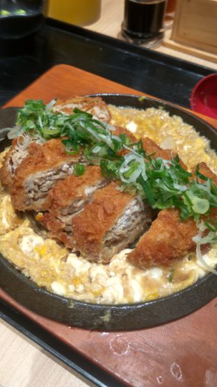 Foto 2 - Makanan(Chicken Katsudon Set (IDR 55k) ) di Kimukatsu oleh Renodaneswara @caesarinodswr