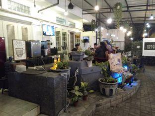 Foto 1 - Interior di Shae Cafe and Eatery oleh Stefany Violita
