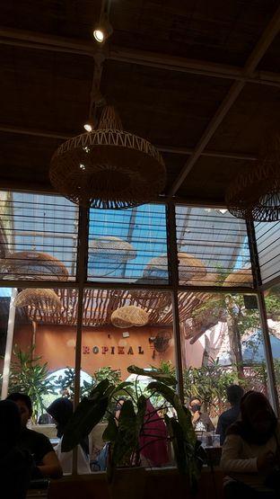 Foto 7 - Interior di Tropikal Coffee oleh Rhesaldy Kurniawan