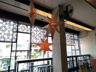Foto 4 - Interior di De Cafe Rooftop Garden oleh yeli nurlena