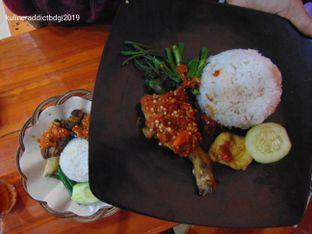 Foto 2 - Makanan di Ayam Goreng Nelongso oleh Kuliner Addict Bandung