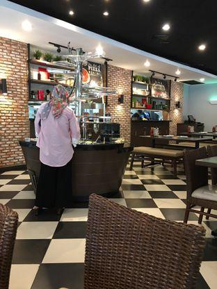 Foto 11 - Interior di Pizza Hut oleh Mariane  Felicia