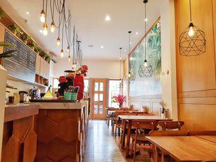 Foto 2 - Interior(Lantai 1) di Caffe Pralet oleh foodstory_byme (IG: foodstory_byme)