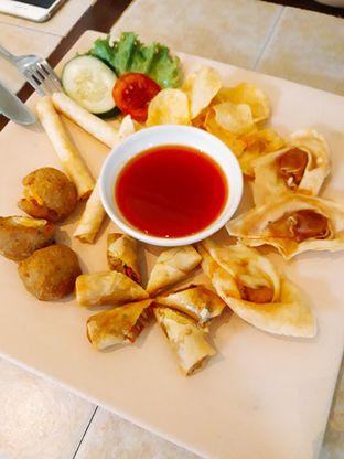 Foto review Bon Ami Restaurant & Bakery oleh Ayu  Esta 1
