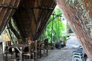 Foto 5 - Interior di Kebon Awi Kaffee oleh Ana Farkhana