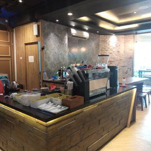 Foto 5 - Interior di Becca's Bakehouse oleh felita [@duocicip]