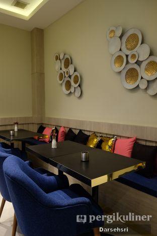 Foto 2 - Interior di Kavove Cafe oleh Darsehsri Handayani